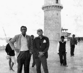 Satyajit Ray & Akira Kurosawa during the visit to Taj Mahal in the 70s.